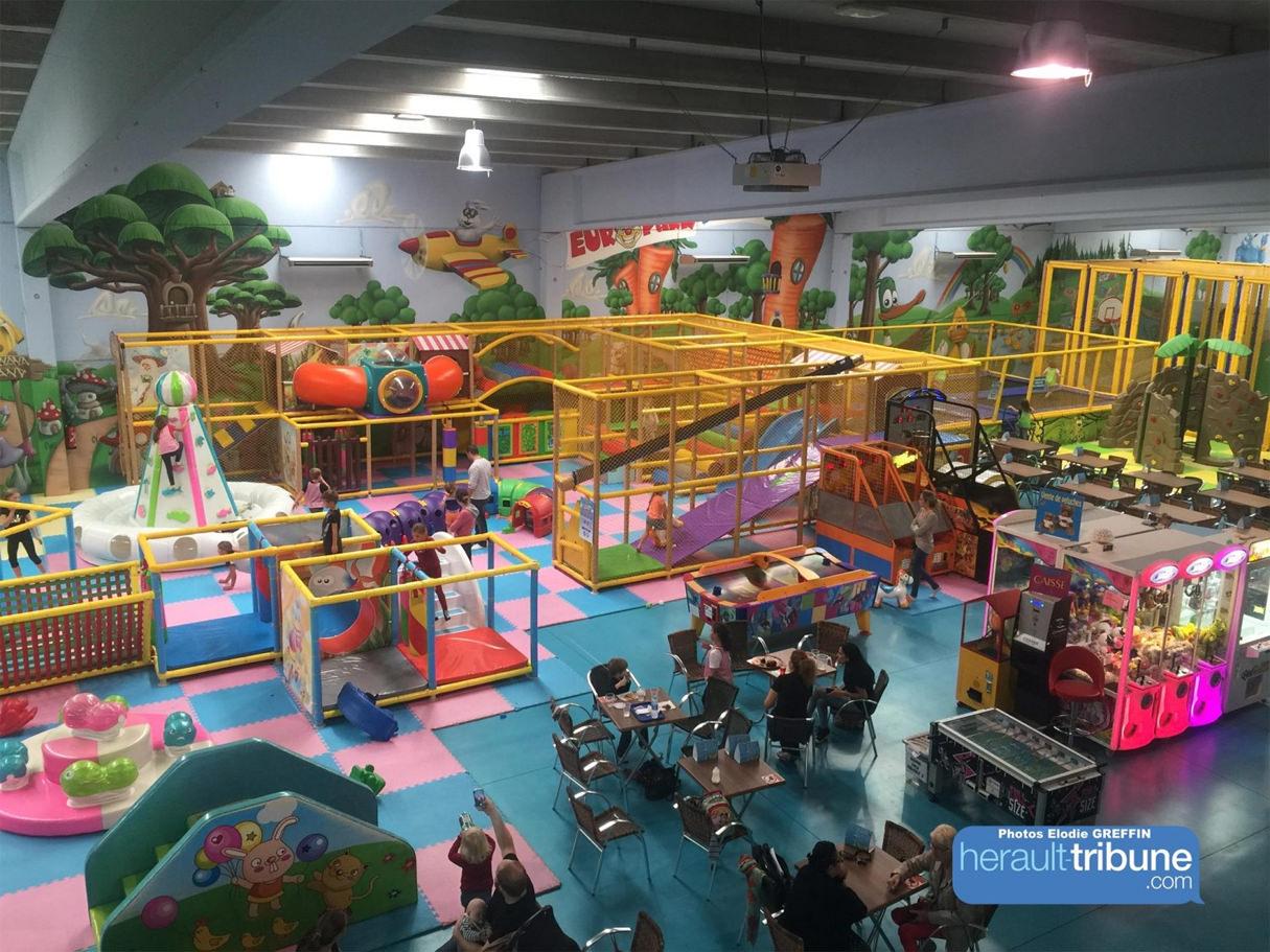 Grand espace de jeu intérieur pour enfants, europark indoor à vias