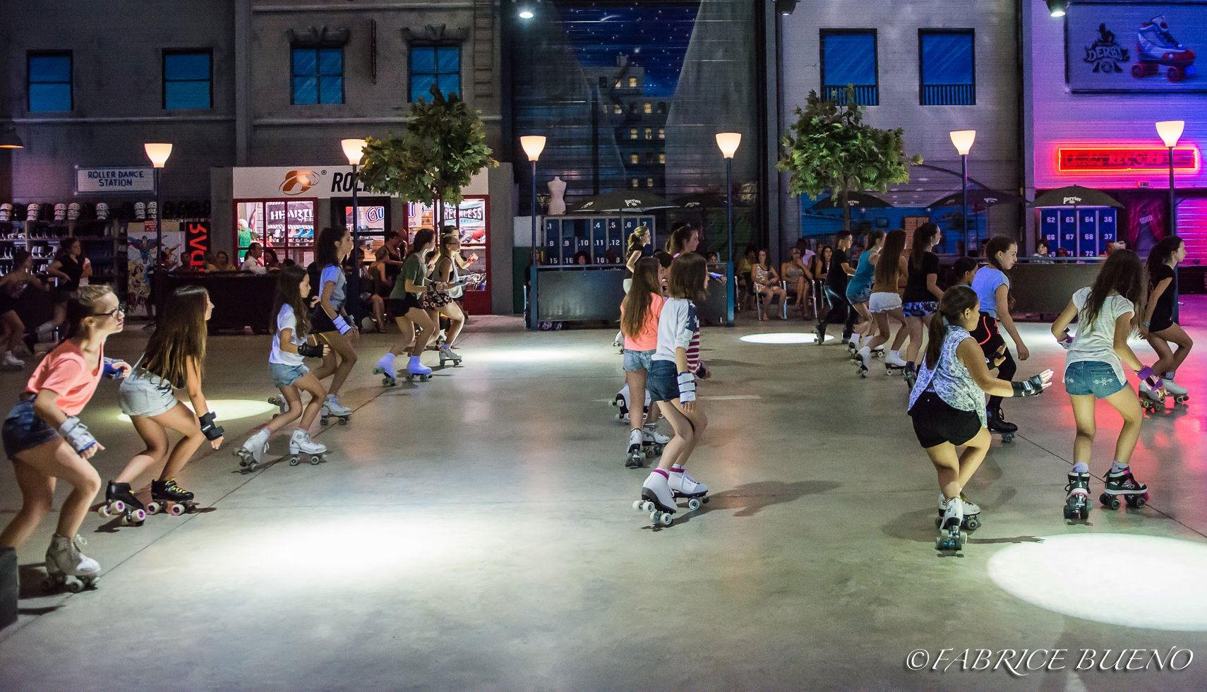 Chorégraphie de fille dansant en roller au Roller Dance à Clermont l'Hérault
