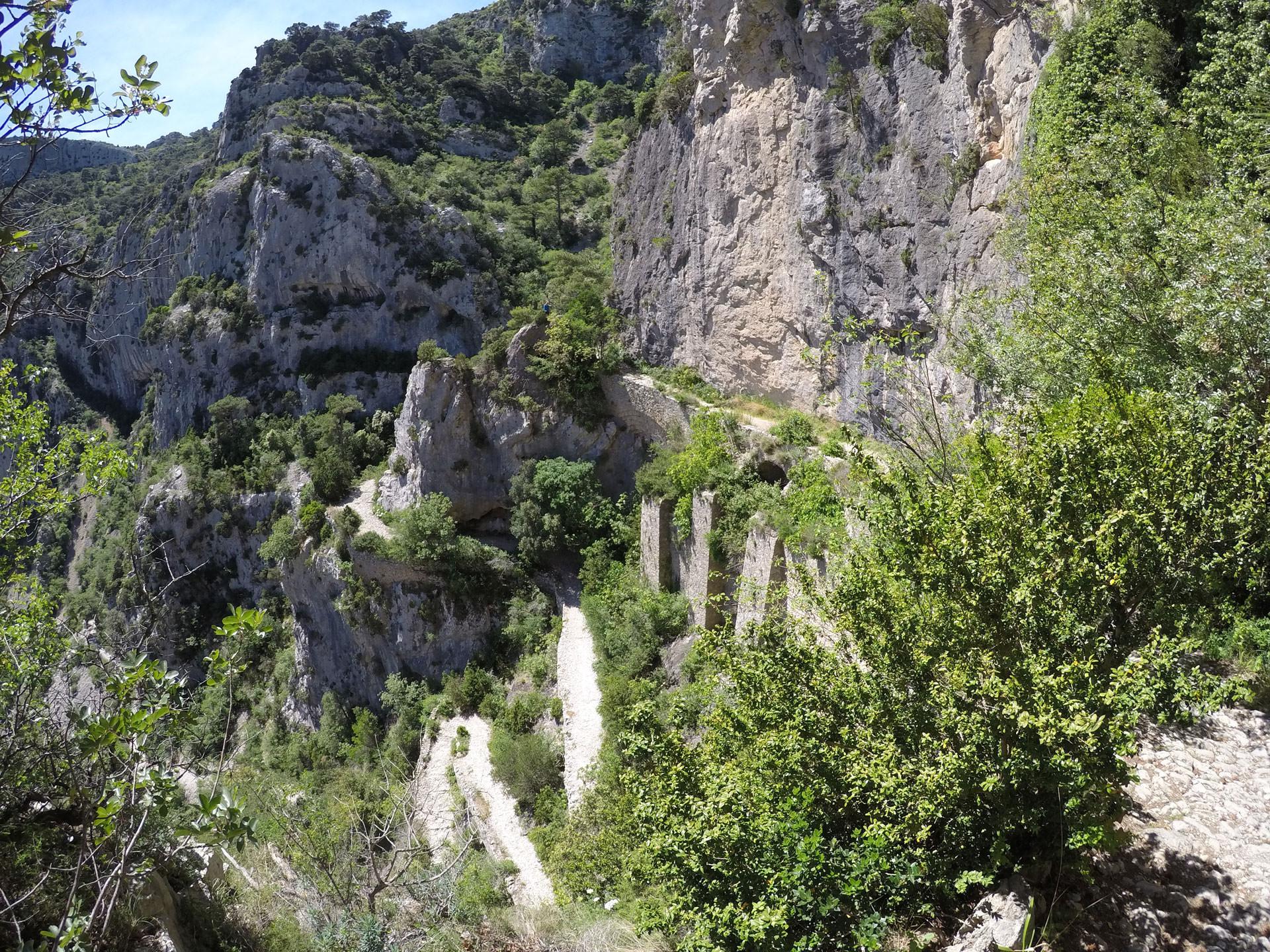 escalier sur falaise Les Fenestrettes