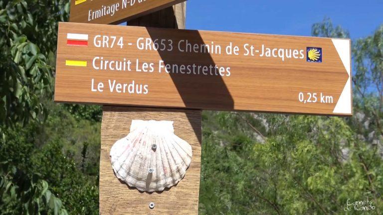 Randonnée et patrimoine: Panneau GR653 Circuit Les Fenestrettes