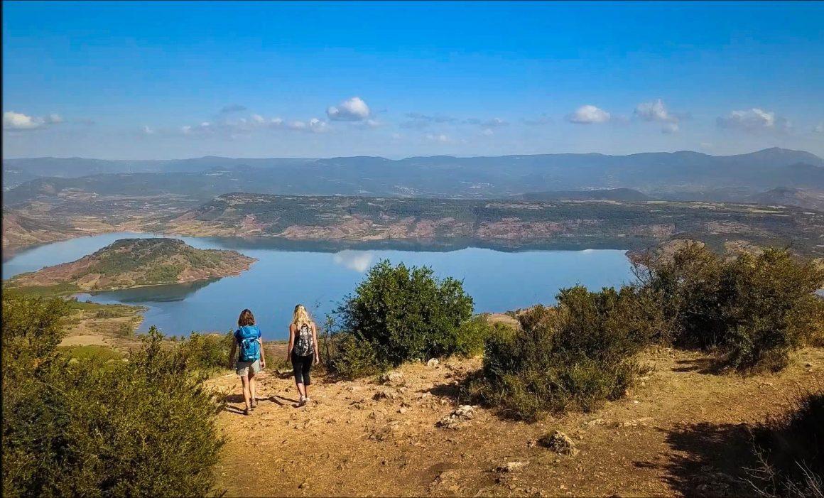 Panorama sur le lac du Salagou depuis le Mont Liausson