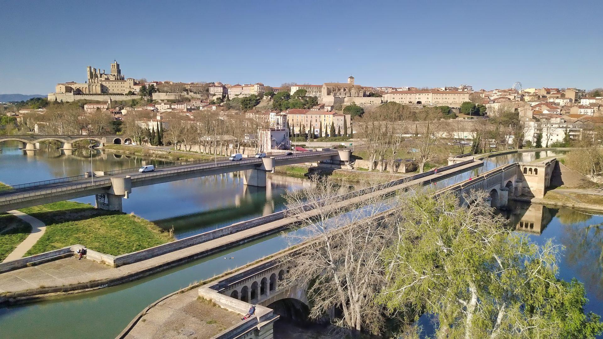 Vue de Béziers - pont canal sur l'orb