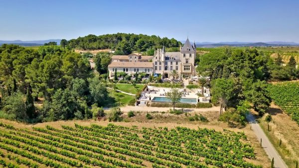 Château Carasses à Quarante vue du ciel