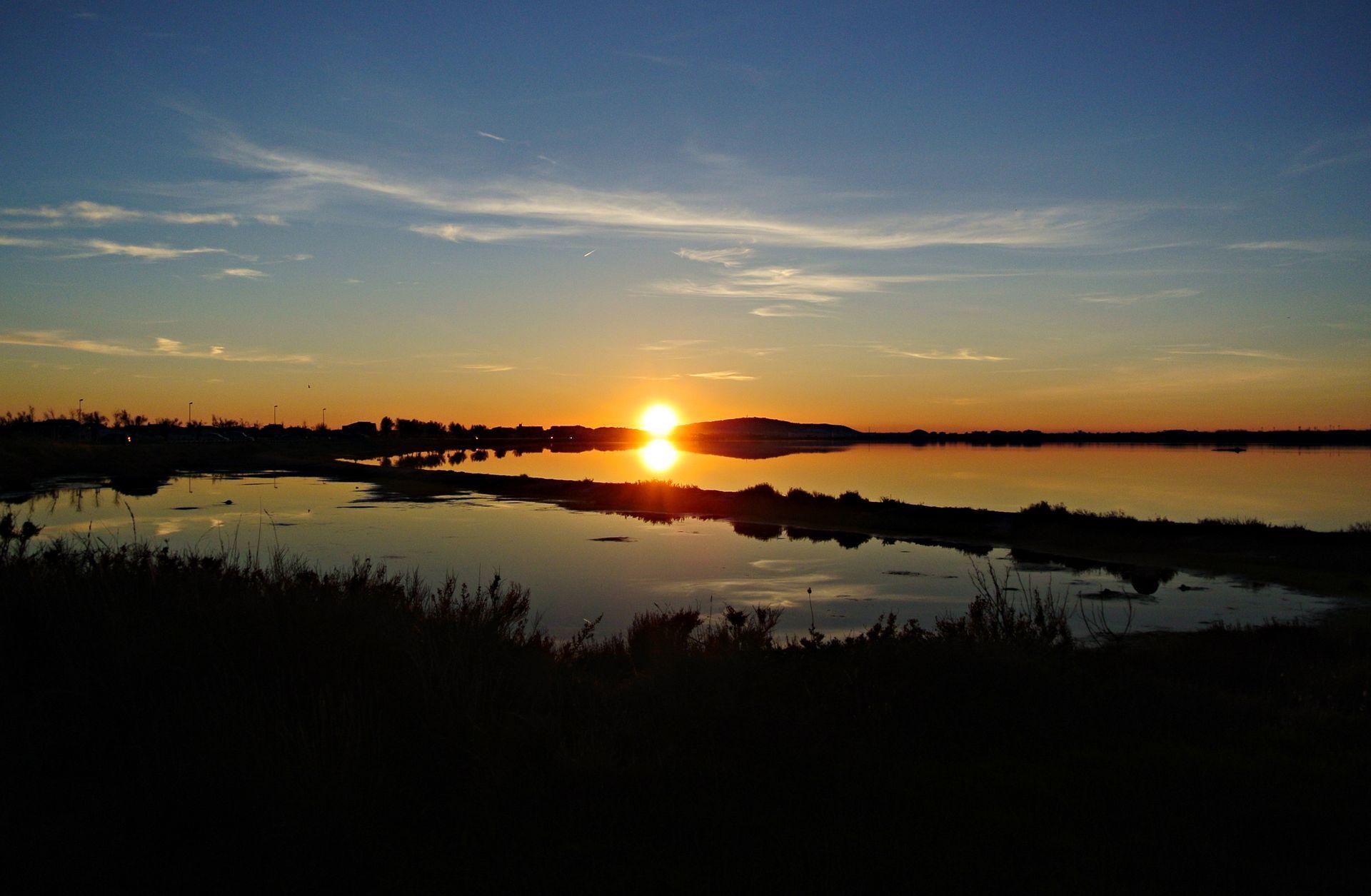 Etang d'Ingril au coucher du soleil