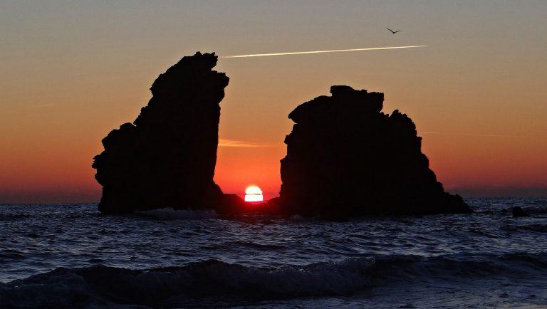Coucher de soleil entre le rocher des 2 frères
