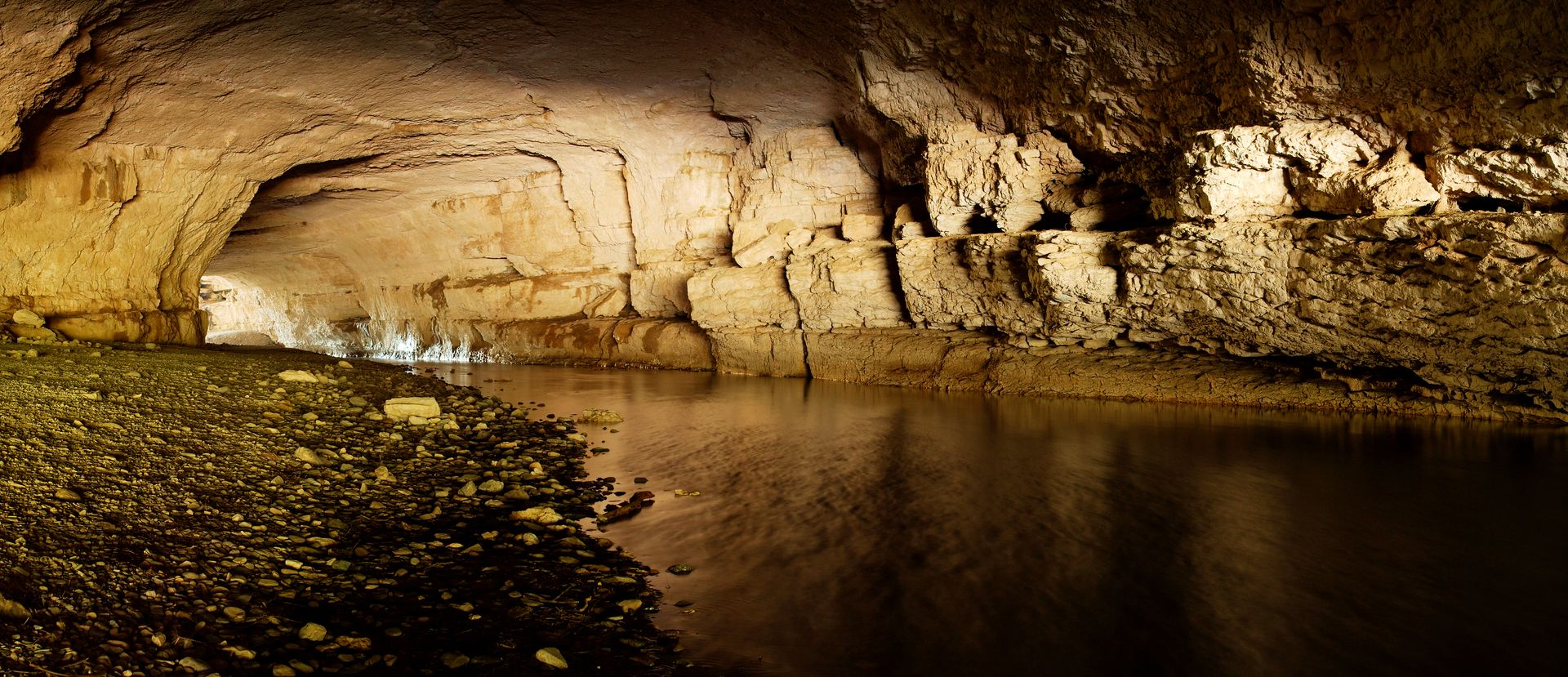Pont naturel à Minerve