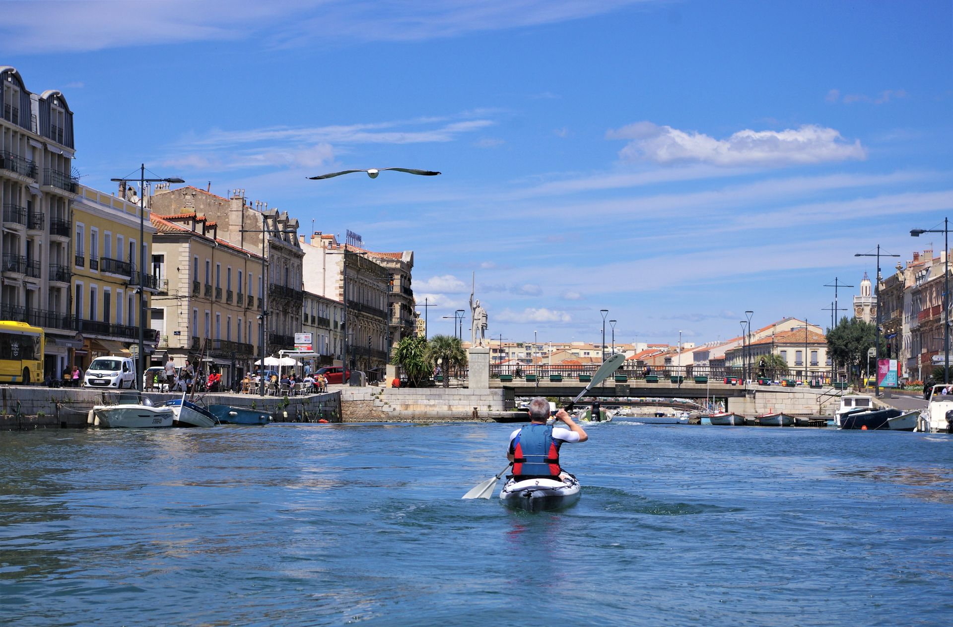 Kayak sur le grand canal à Sète