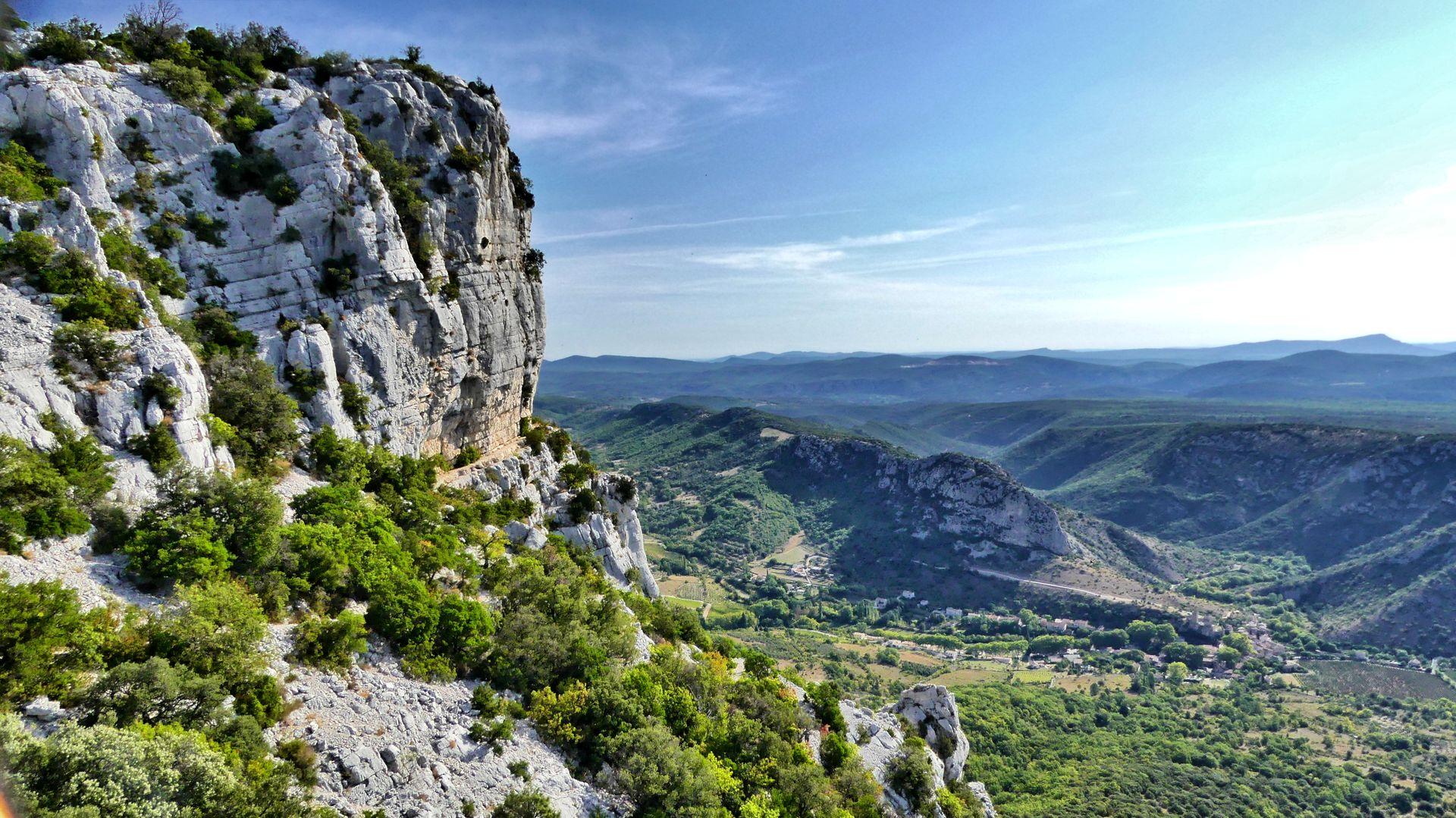 La vallée de la Buèges depuis le massif de la Séranne
