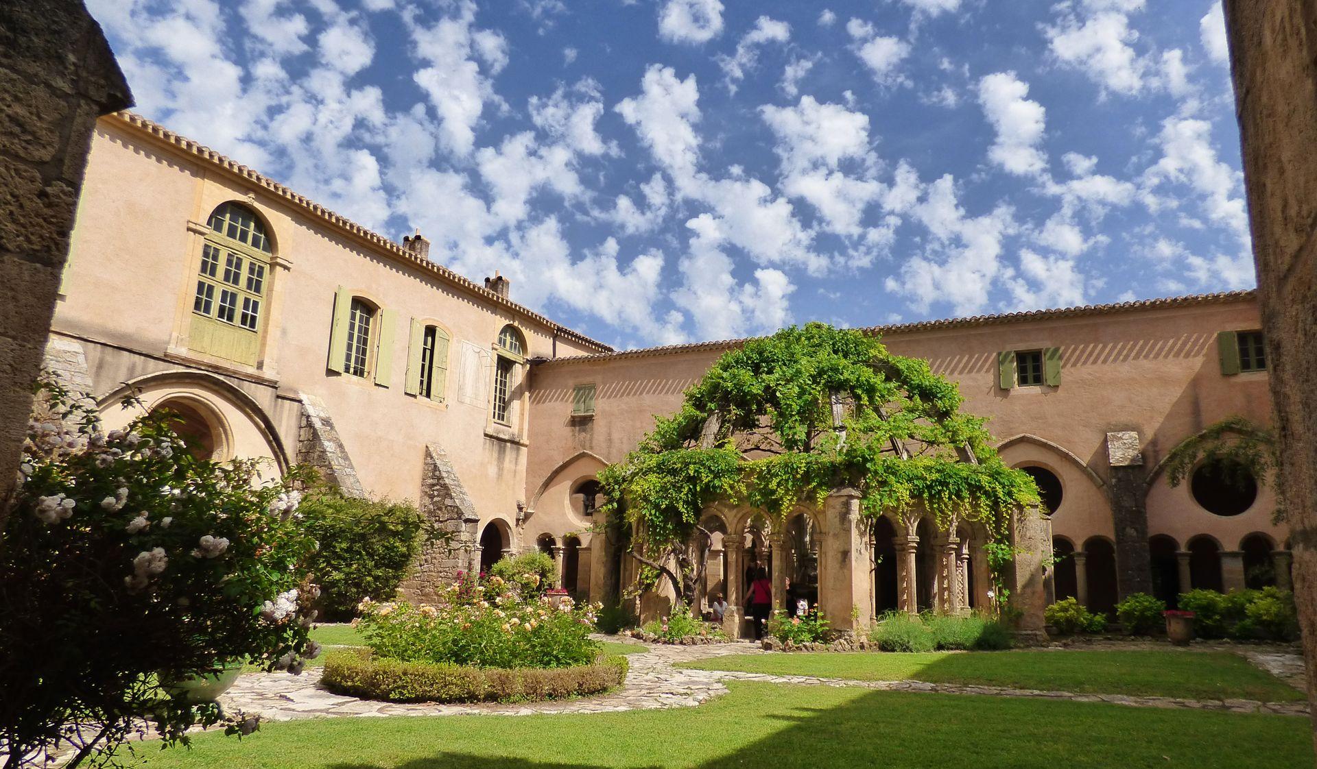 L'abbaye de Valmagne, son cloitre et le