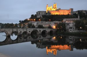la cathédrale St Nazaire à Béziers illuminée