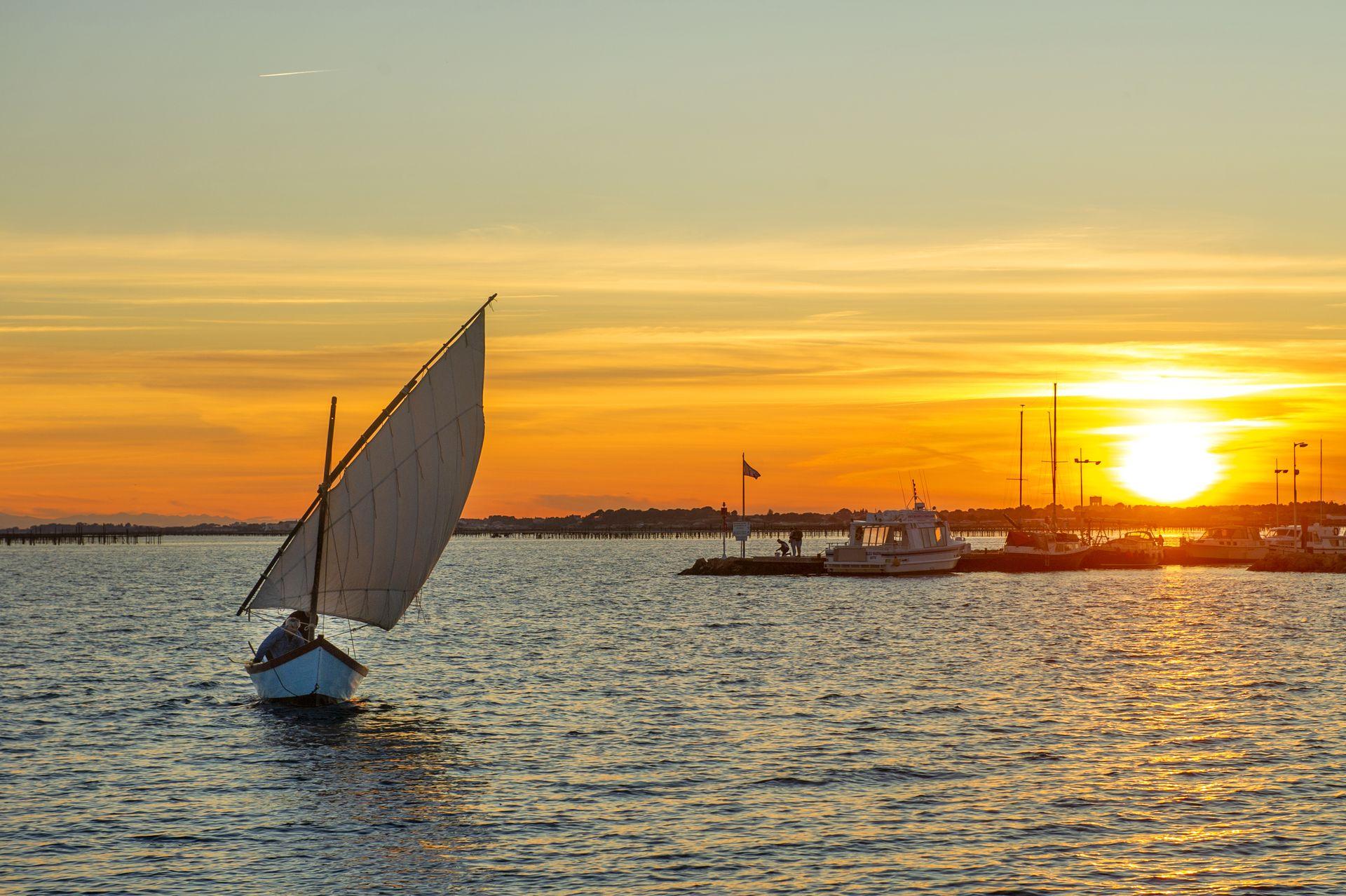 Port de Bouzigues au coucher du soleil
