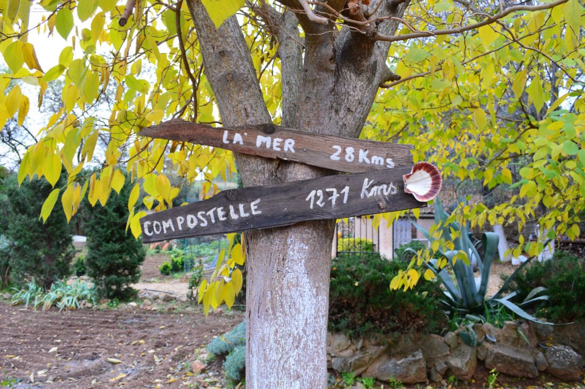 GR sud France - A l'abbaye de Fontcaude, sur le chemin de St-Jacques