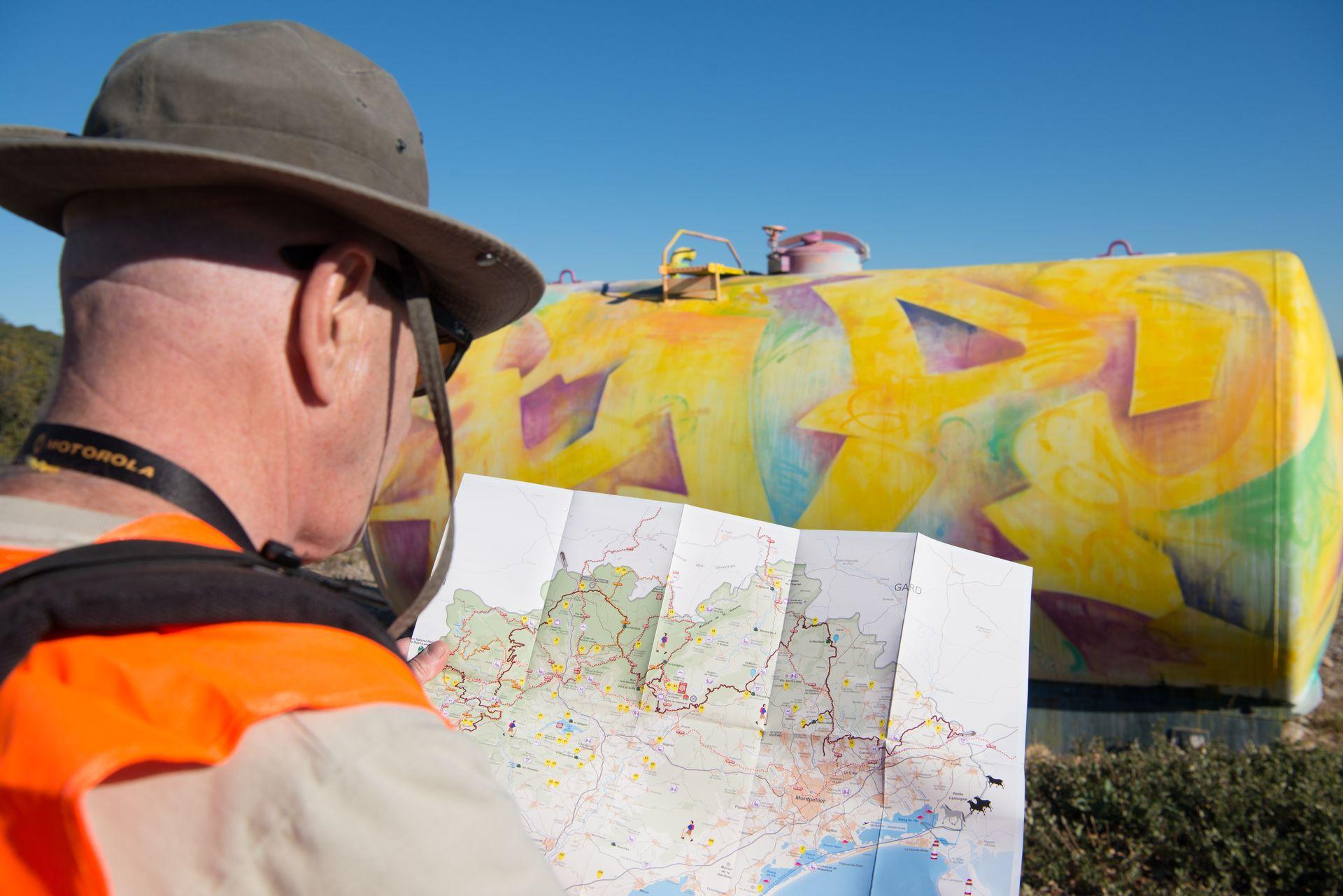 Cit'Art, randonnée dans le Massif de la Gardiole à la recherche des citernes graffées par des artistes