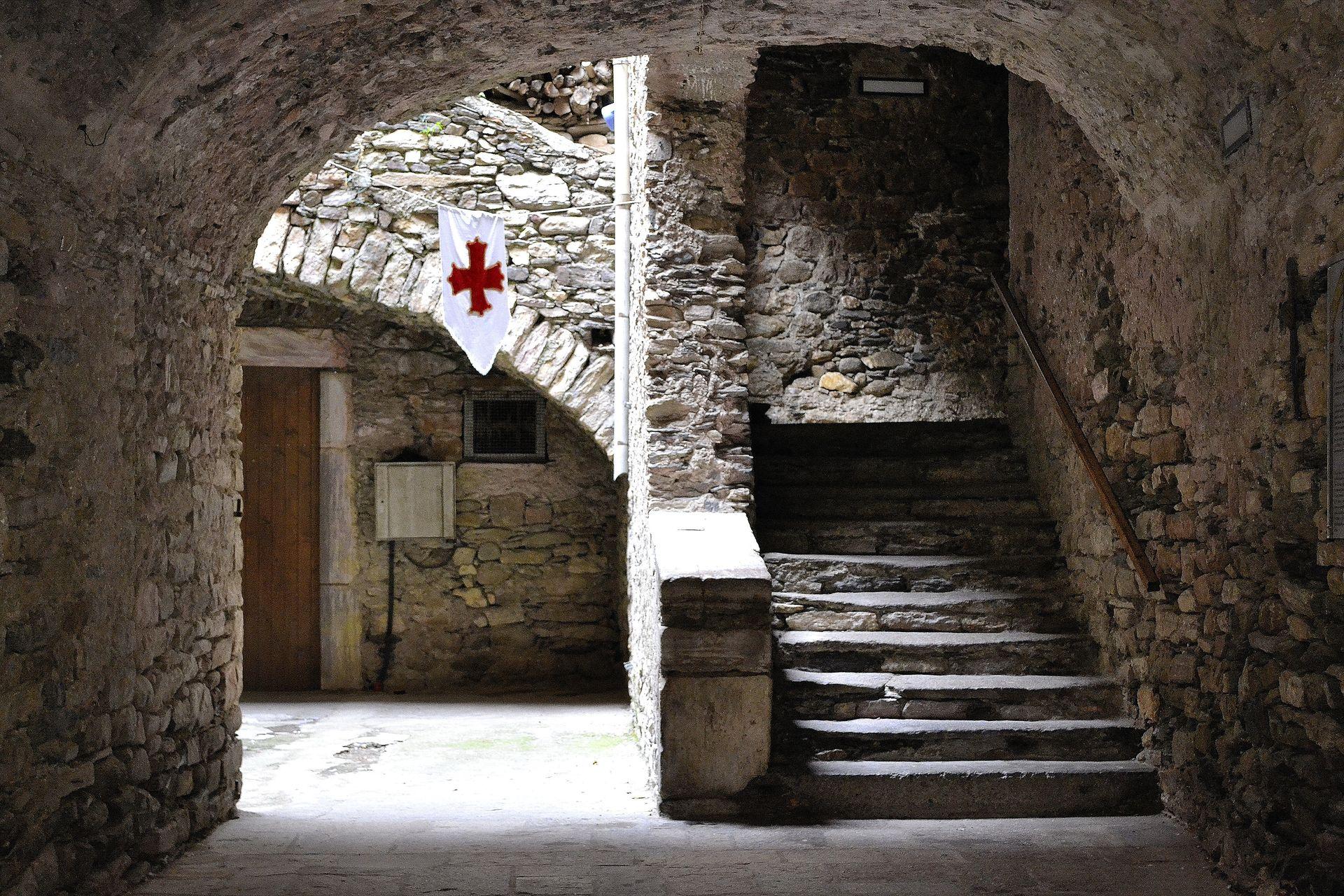 L'Escalier de la Commanderie à Olargues © Tiffany Andrews