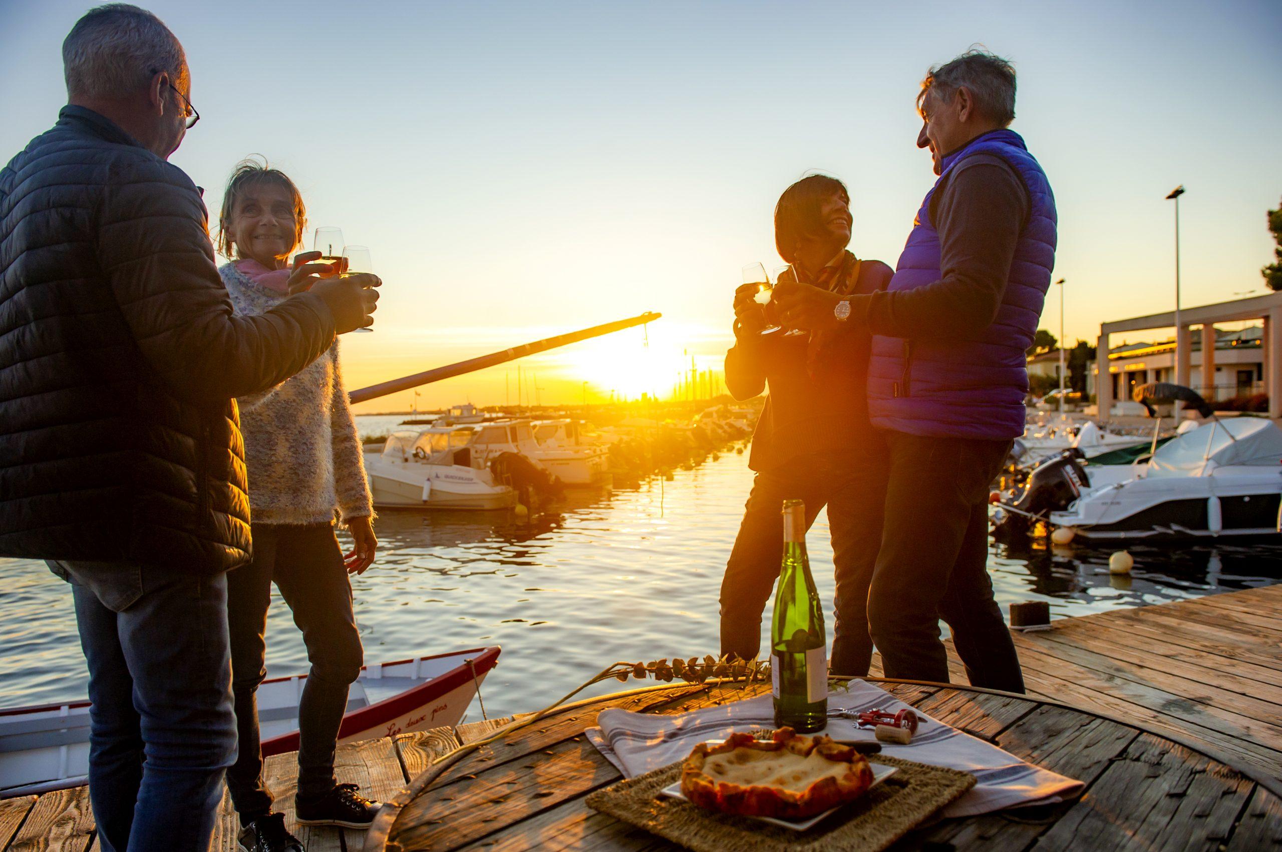 Coucher de soleil entre amis depuis Bouzigues