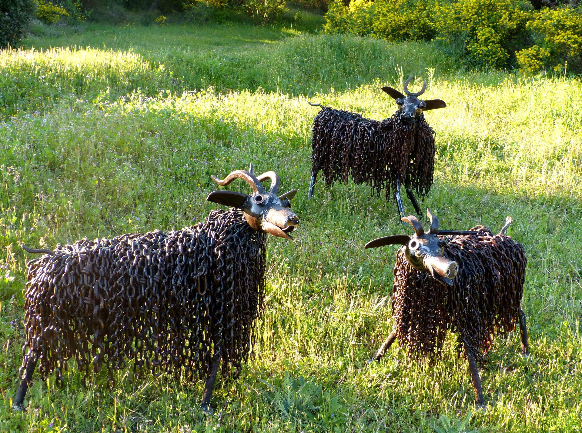 Chèvres au pré en fer des Atelier Annick et Charly à Saint Guiraud