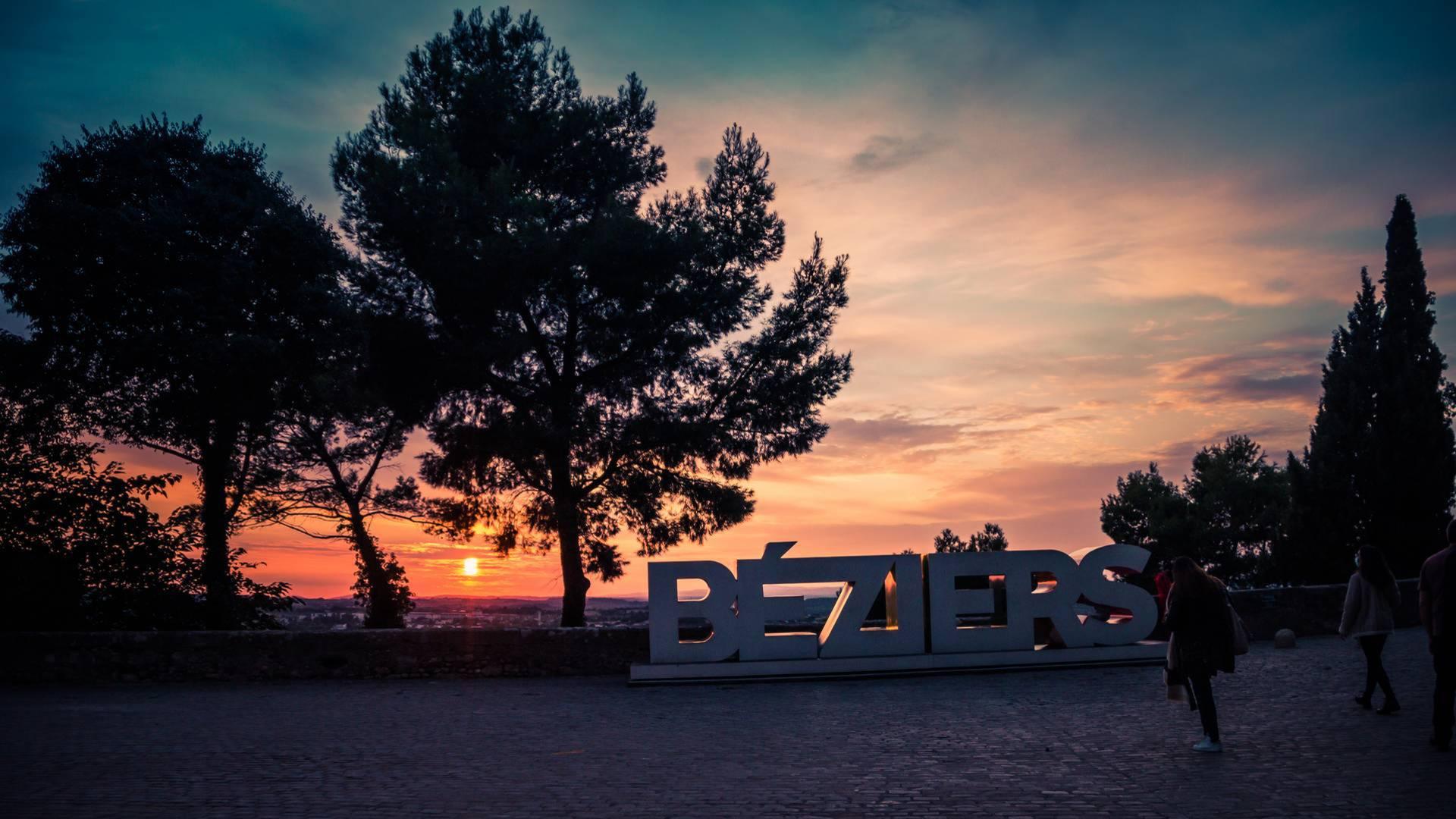 Coucher de soleil au Jardin des Evêques à Béziers
