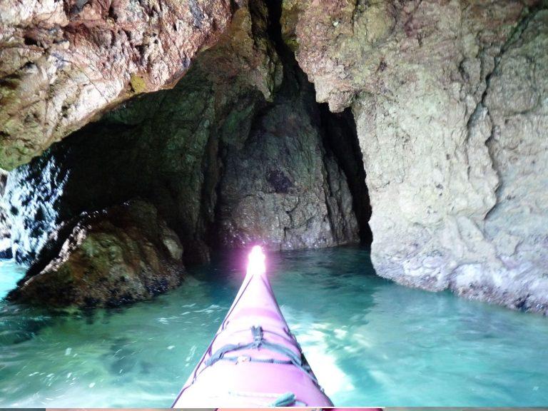 Découverte des grottes de Sète en kayak
