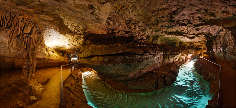 Rivière souterraine de la Grotte de Labeil