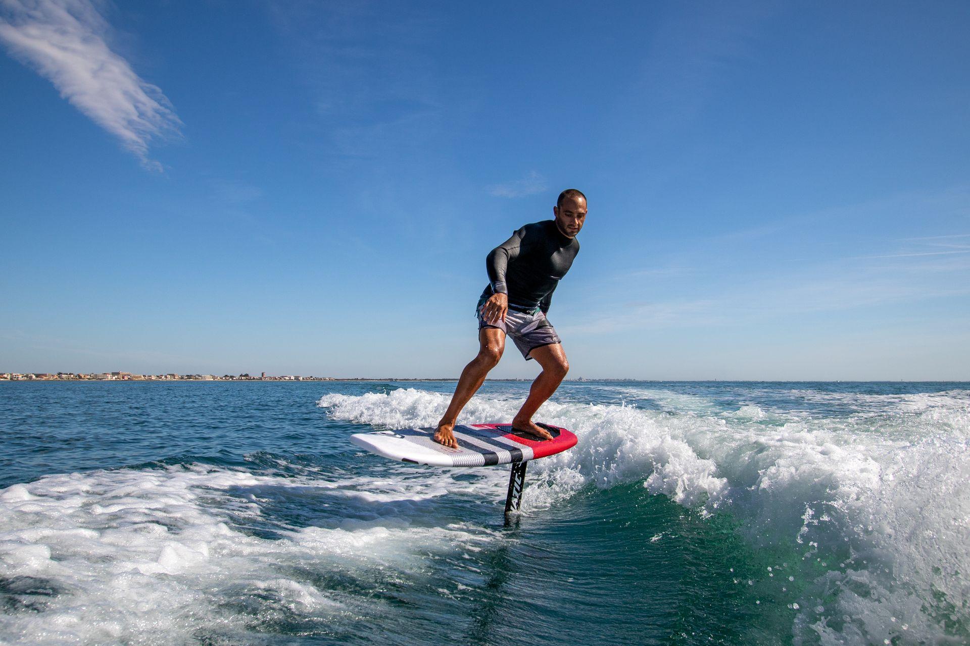 Séance de wakefoil avec Seb Garat de la Ride Academy