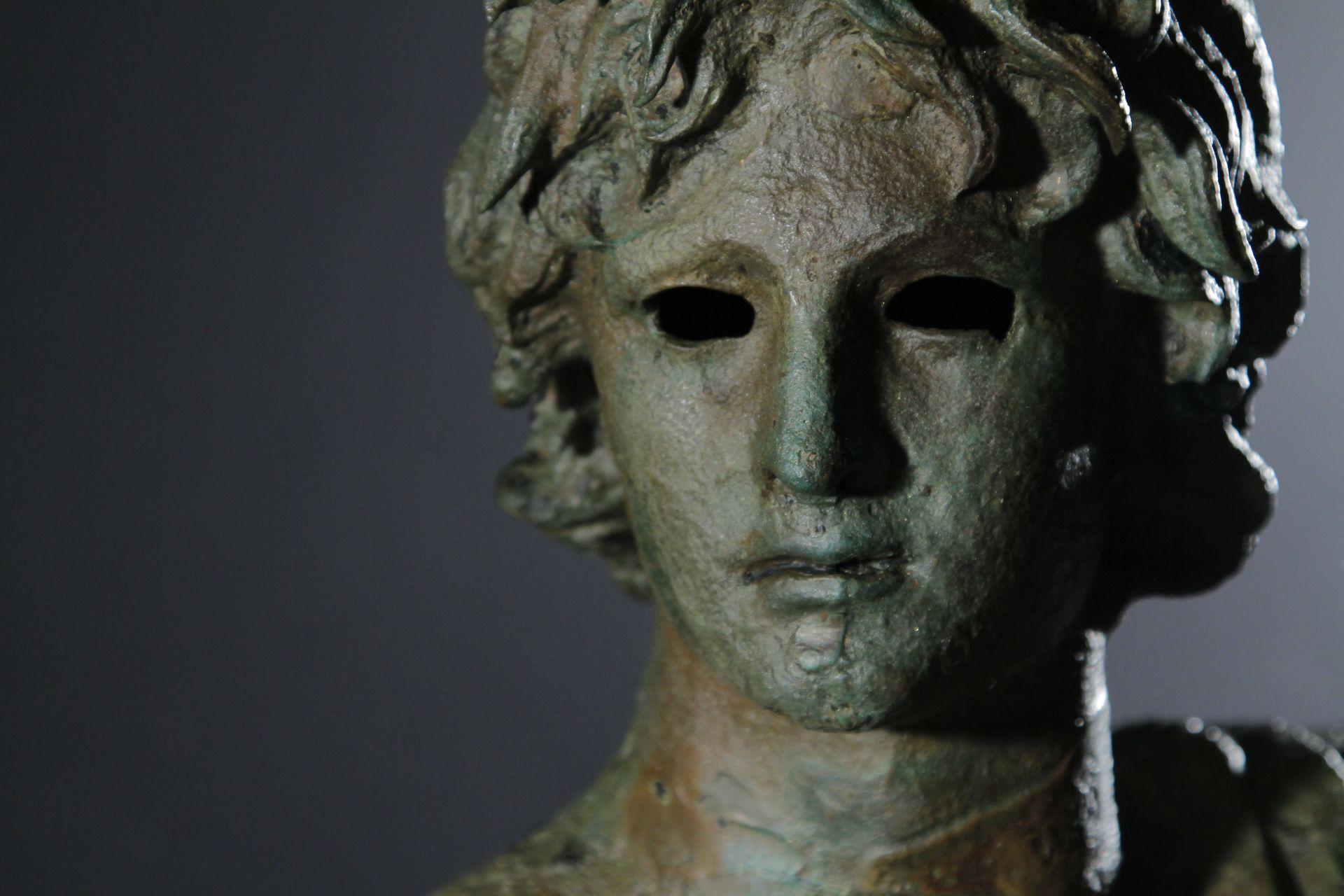 Tête en bronze de l'Ephèbe du musée archéologique d'Agde