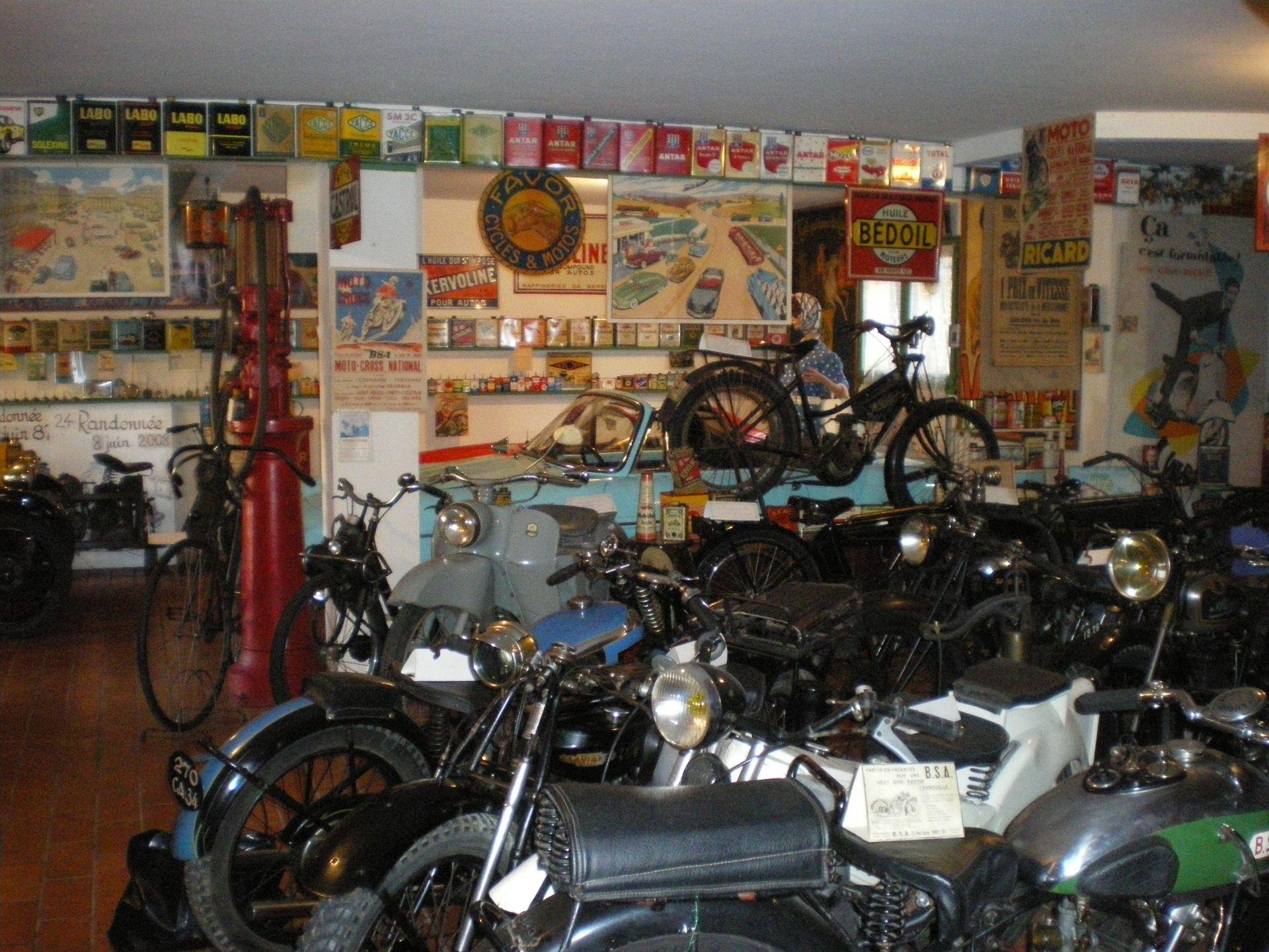 Vieilles motos au Musée Chapy à Boujan sur Libron
