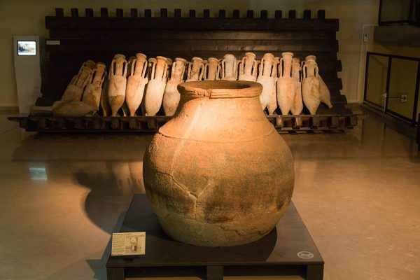 Dolium dans une salle du musée Henri prades à Lattes