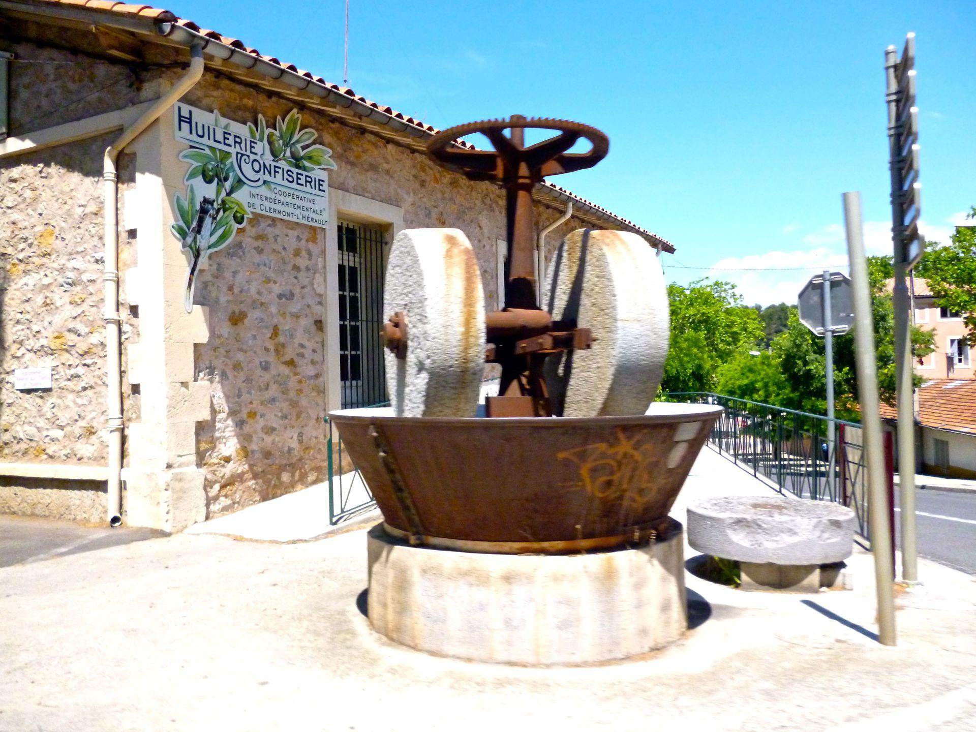 Moulin d'Olidoc, l'Huilerie Confiserie Coopérative de Clermont l'Hérault