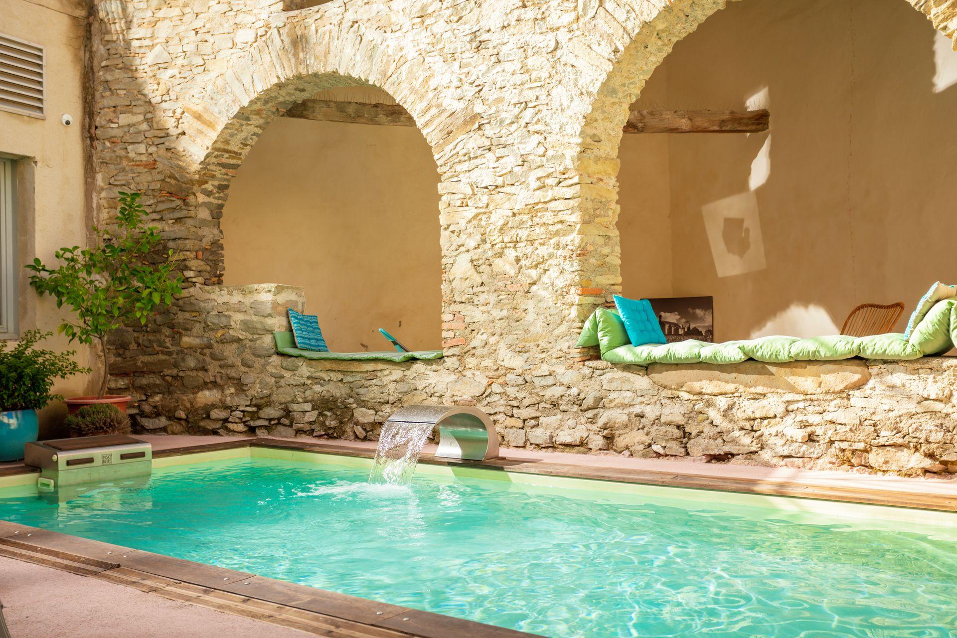 Chateau de Siran piscine, bien être