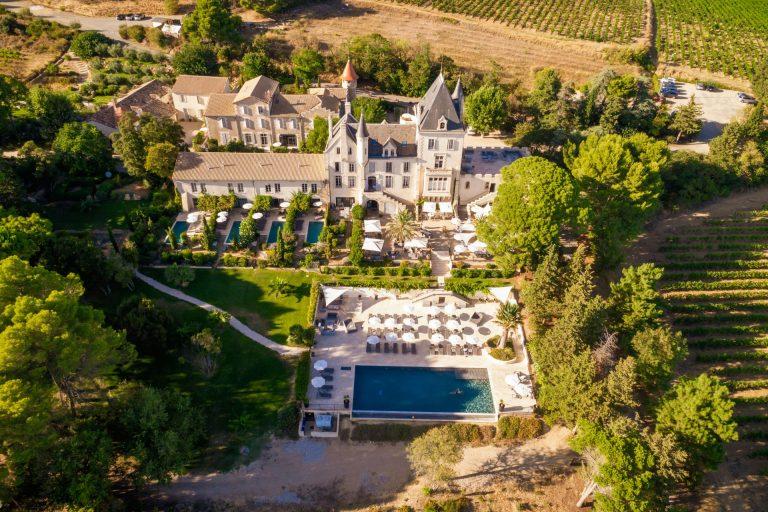 Château les Carrasses vue aérienne avec ses vignobles