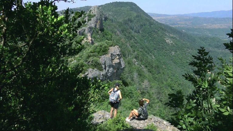 2 randonneuses au Pic D'Anjeau