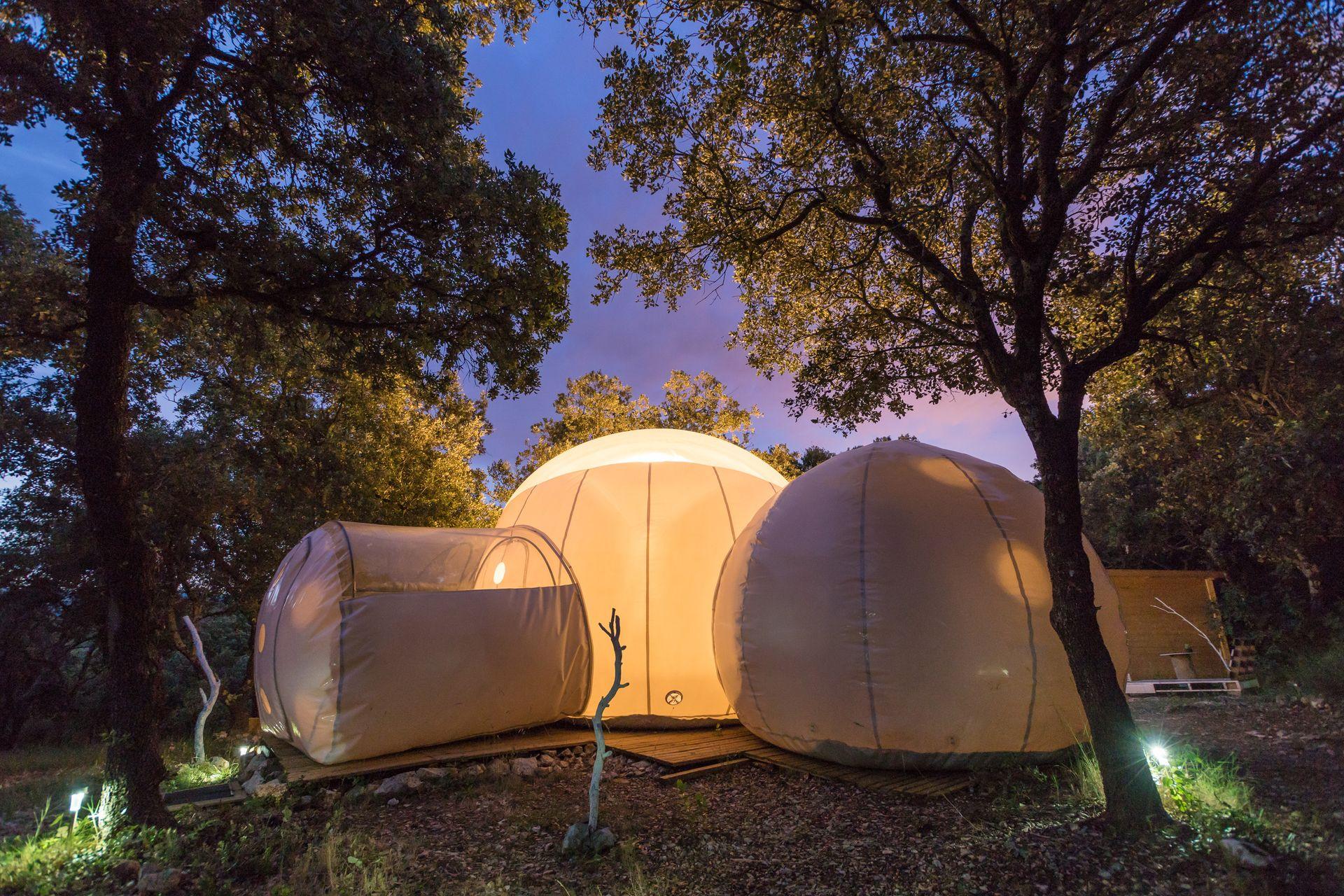 Astronarium hébergement insolite en bulle