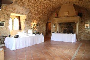 Salle de garde du domaine viticole Château Bas d'Aumelas à Aumelas
