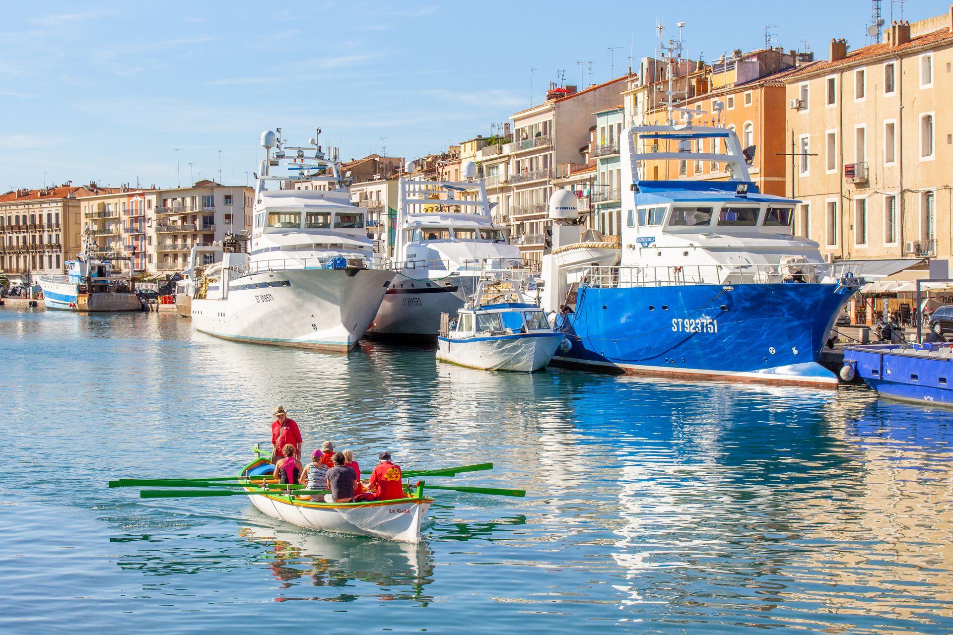 Barque sur Canaux de Sète