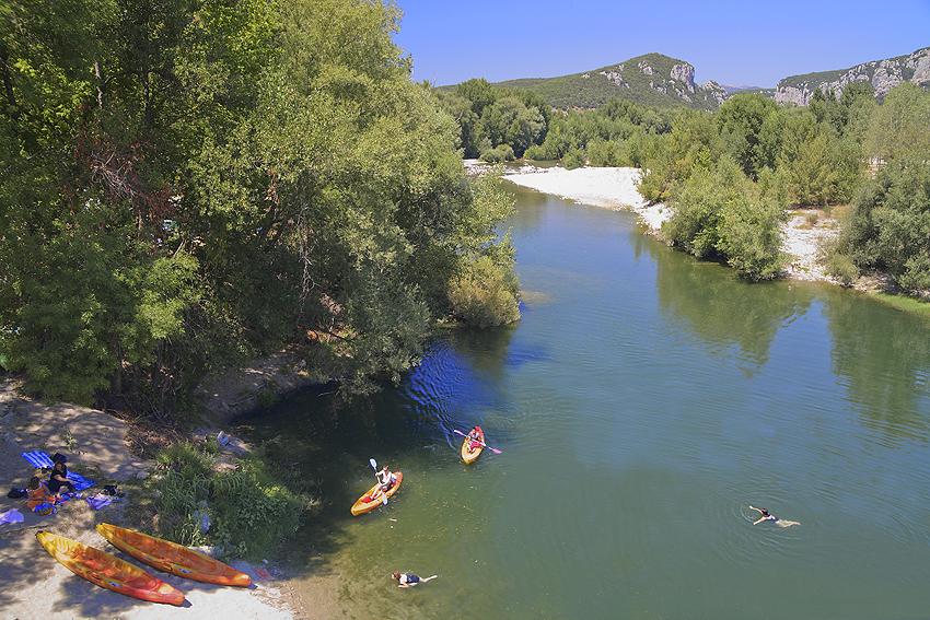 Canoë dans les gorges de l'Hérault à St Bauzille du Putois
