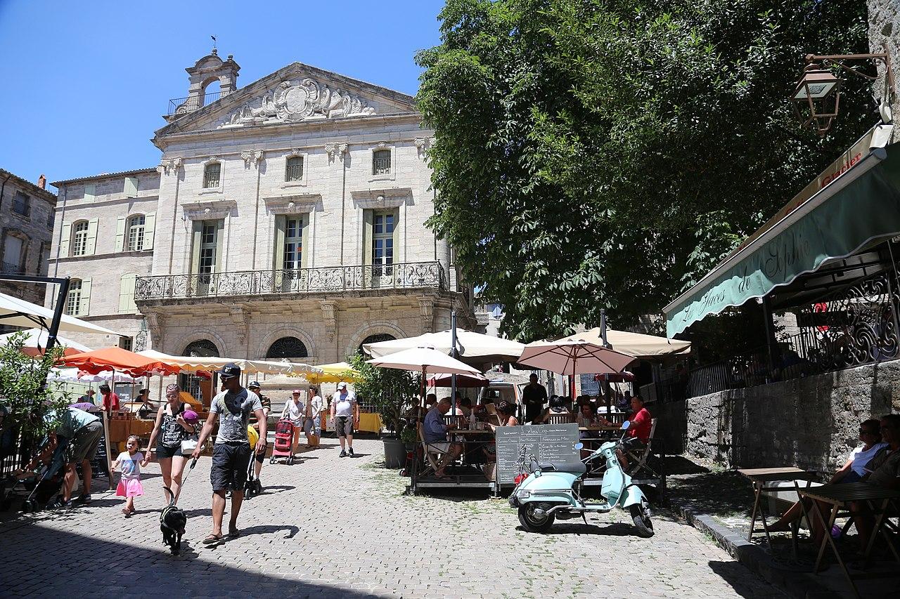 Place de Pézenas