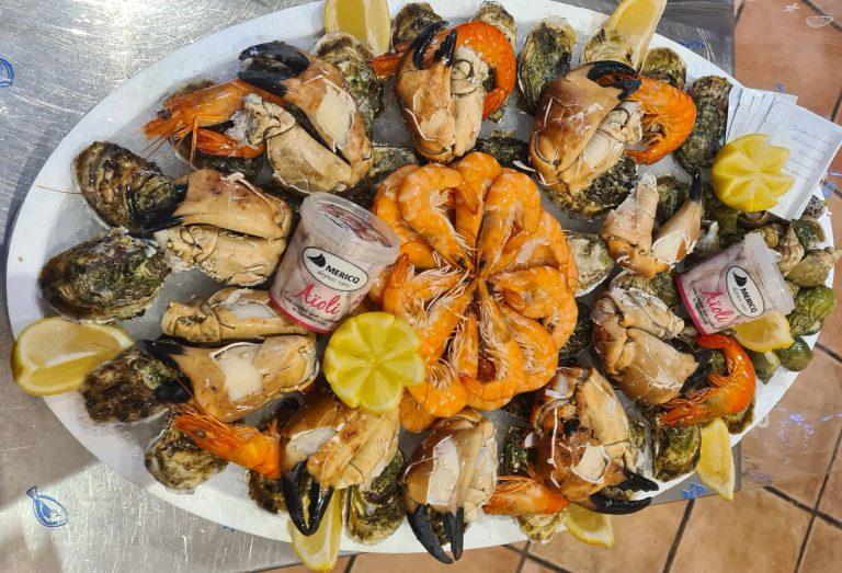 Plateau de fruits de mer à L'Odacieuse Vidal coquillages à Valras