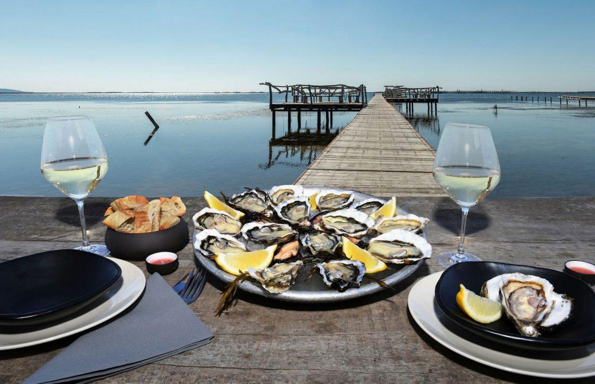Déjeuner au bord de la lagune de Thau au comptoir de dégustation Saint Barth'