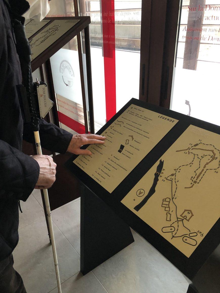 Plan tactile d'Ambrussum conçu par l'AVH