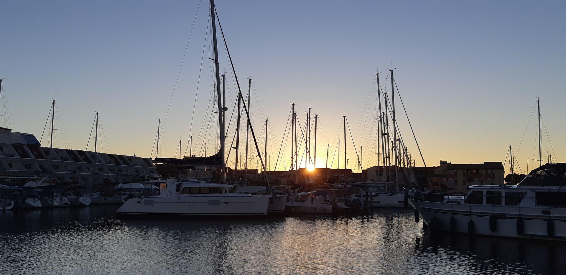 Port de Carnon au coucher de soleil