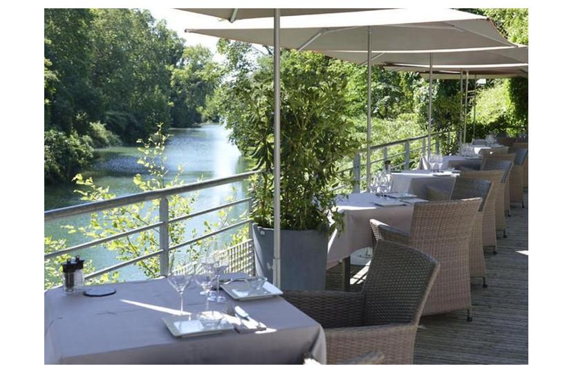 Terrasse du restaurant la Réserve Rimbaud