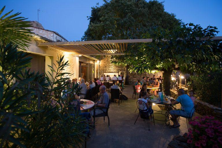 Terrasse restaurant Abbaye Sylva Plana