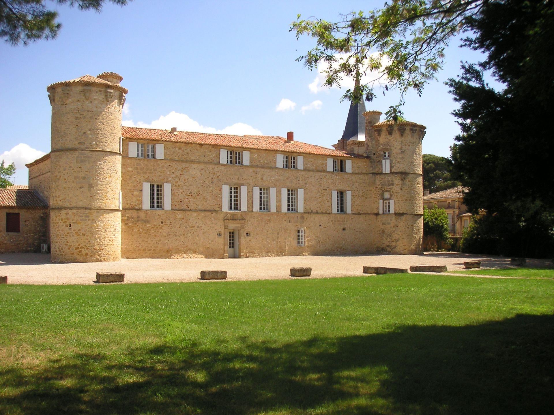 Façade Château de Jonquières