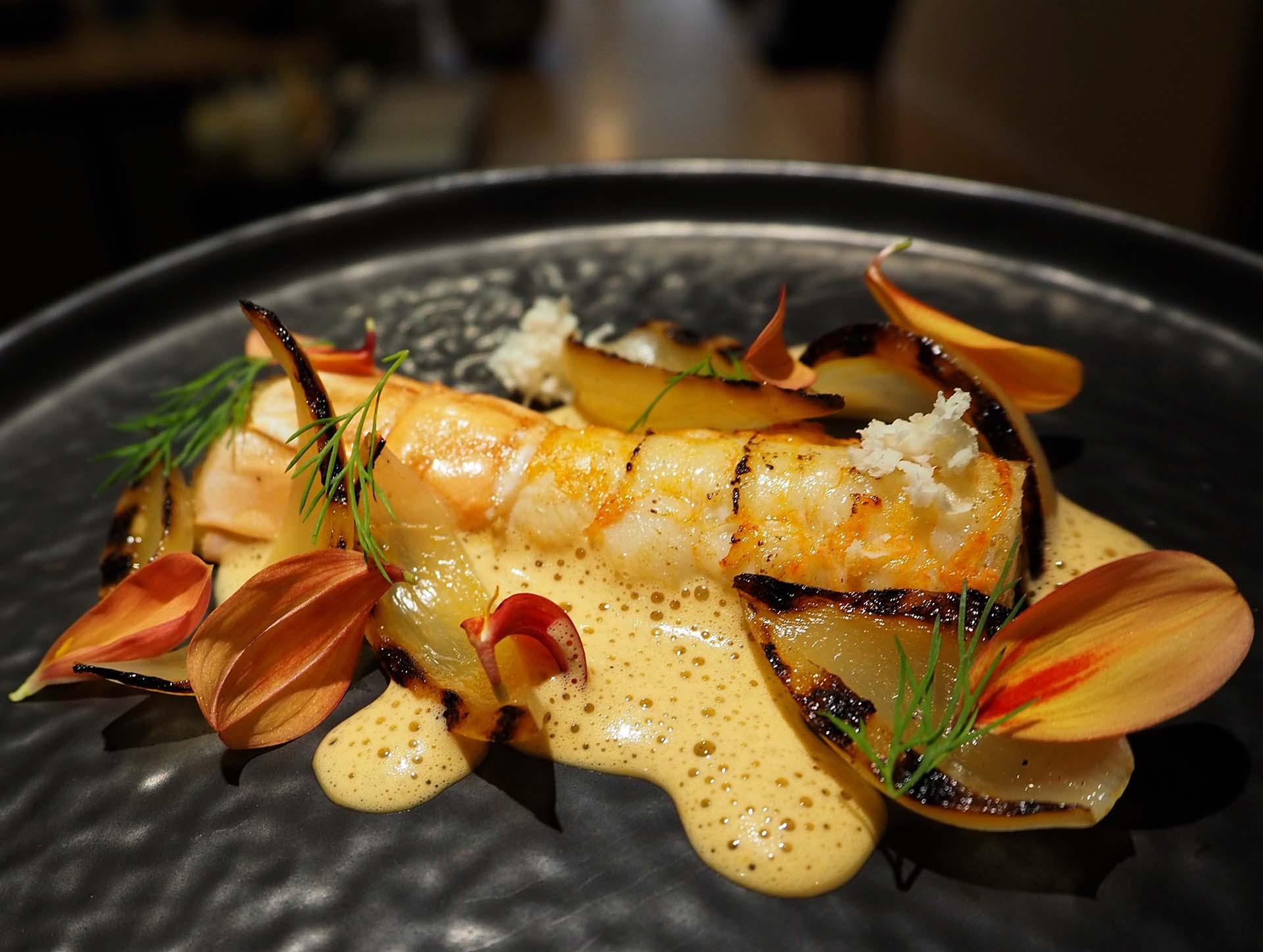 Recette langoustine aux oignons doux des Cévennes au restaurant le Reflet d'Obione