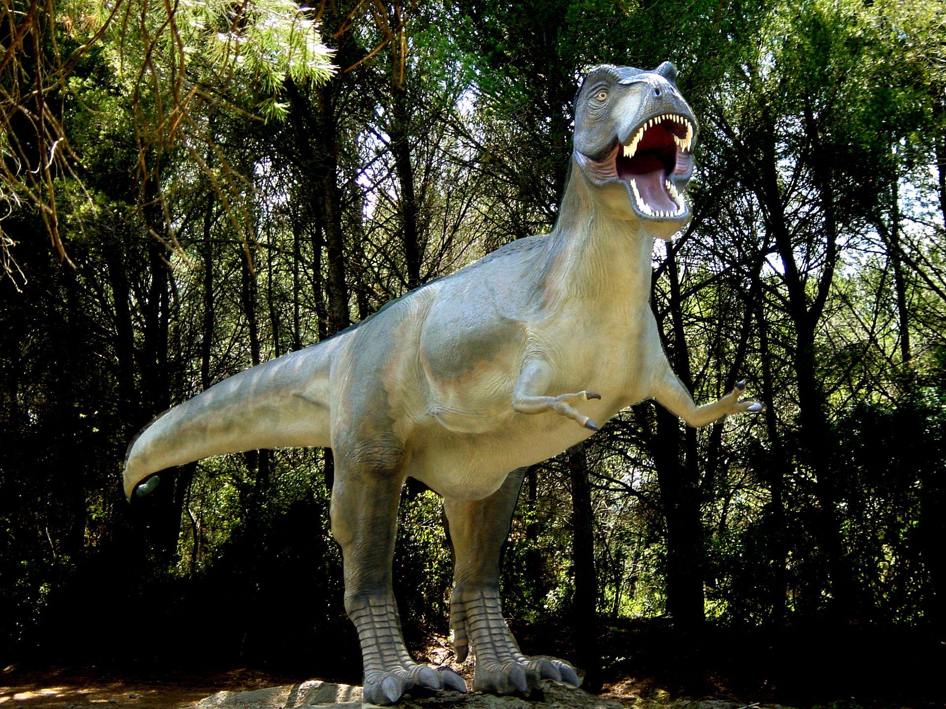 Tyrannosaurus-rex à La plaine des dinosaures à Mèze
