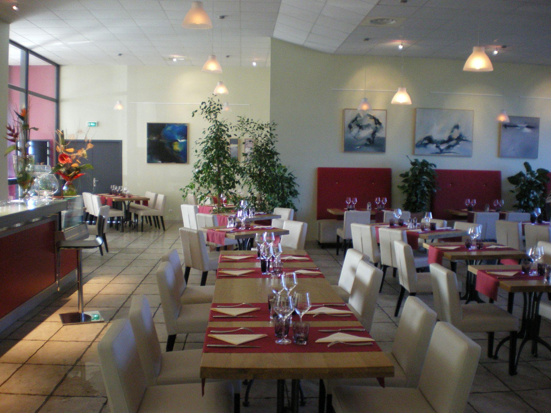 Salle de restaurant Le bistrot d'Alex (à la cave coopérative de Vinipolis, à Florensac)