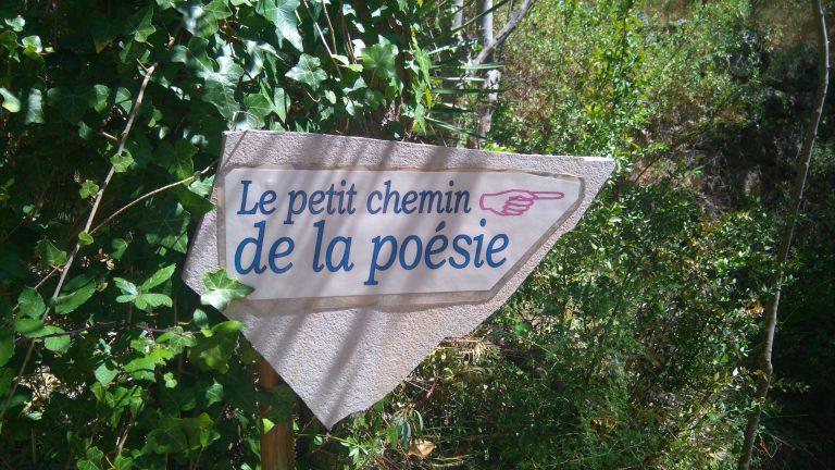 Le petit chemin de la poésie à Mourèze