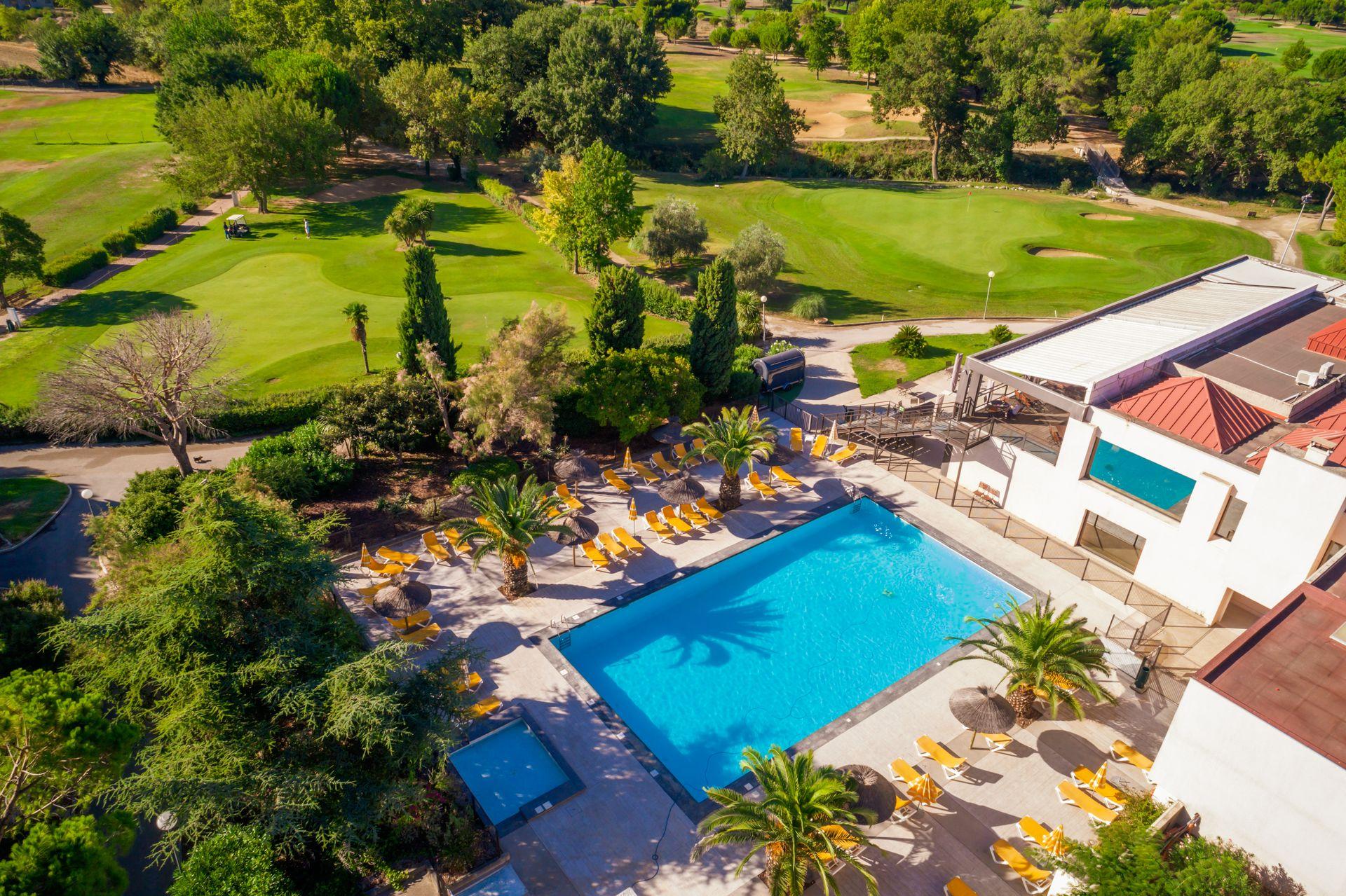Vue aérienne du Golf Hôtel Spa Montpellier Massane à Baillargues