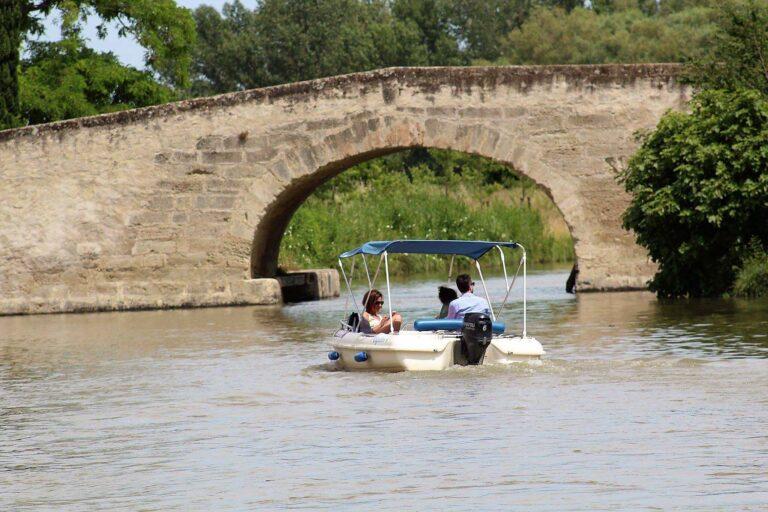 Balade en bateau sur le Canal du Midi avec Sunboat